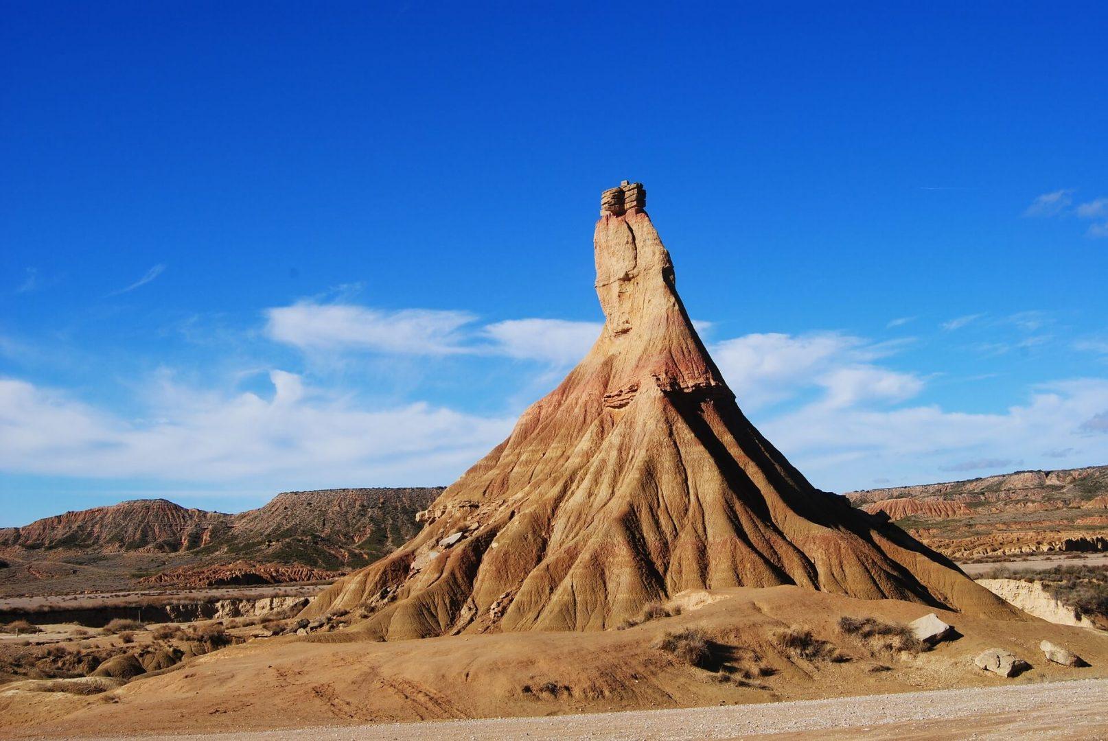 Promontorio en el desierto de las Bardenas Reales