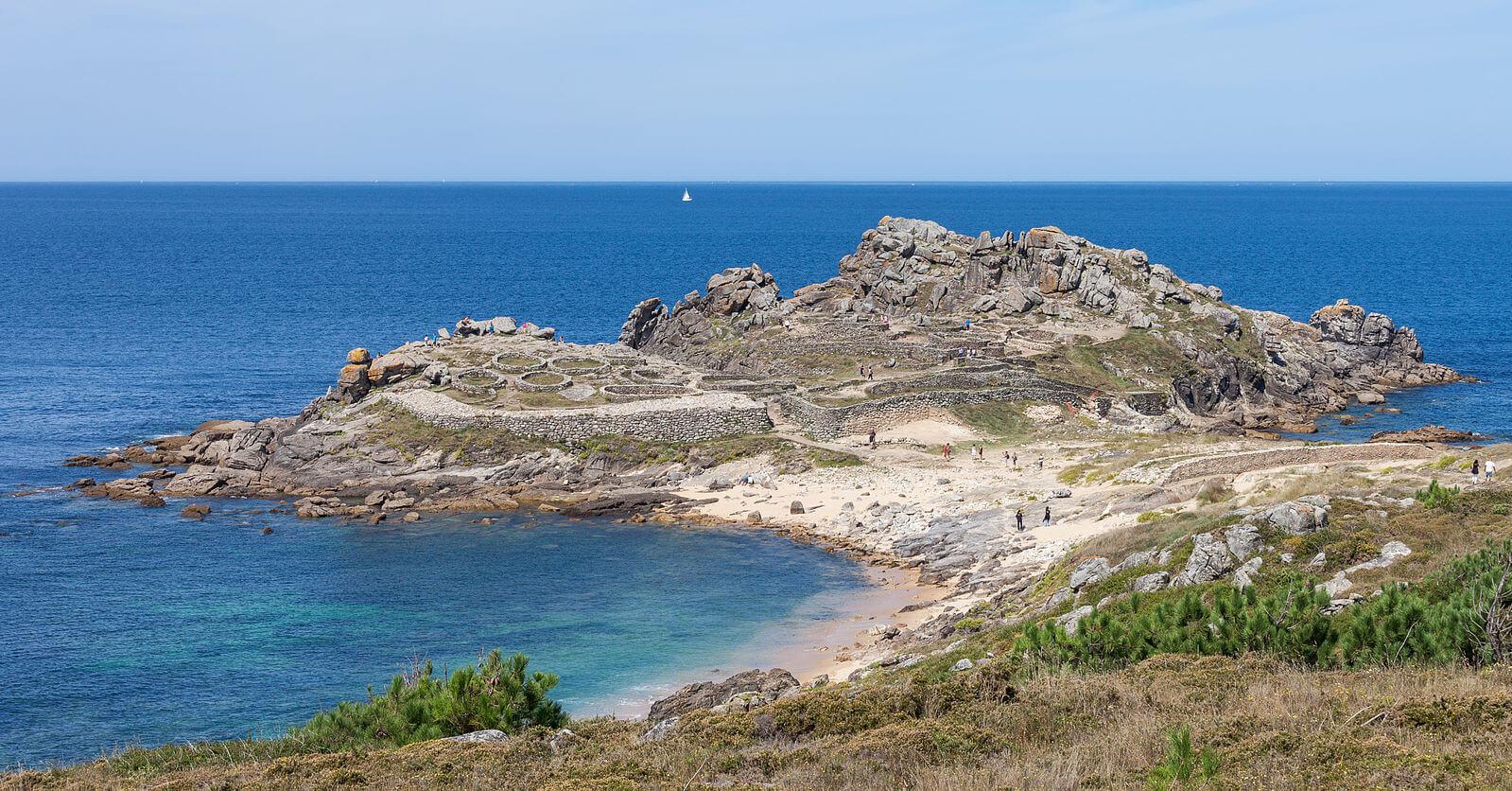 Castro de Baroña en Porto do Son (A Coruña). Los castros eran poblados fortificados construidos en lugares elevados y estratégicos.