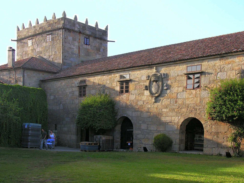 El Pazo de Fefiñáns en Cambados (Pontevedra) fue construido en el siglo XVI. Pazo significa palacio en gallego.